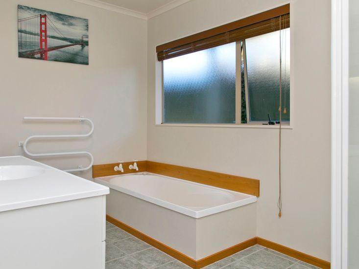 Bathroom - Downstairs