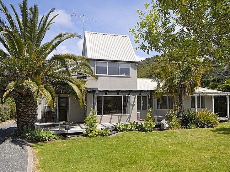 Hibiscus - Matapouri Holiday Home
