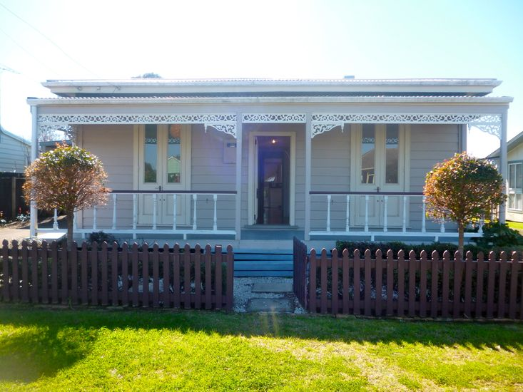 Haven on Hannan - Whitianga Holiday Home - Main House Exterior