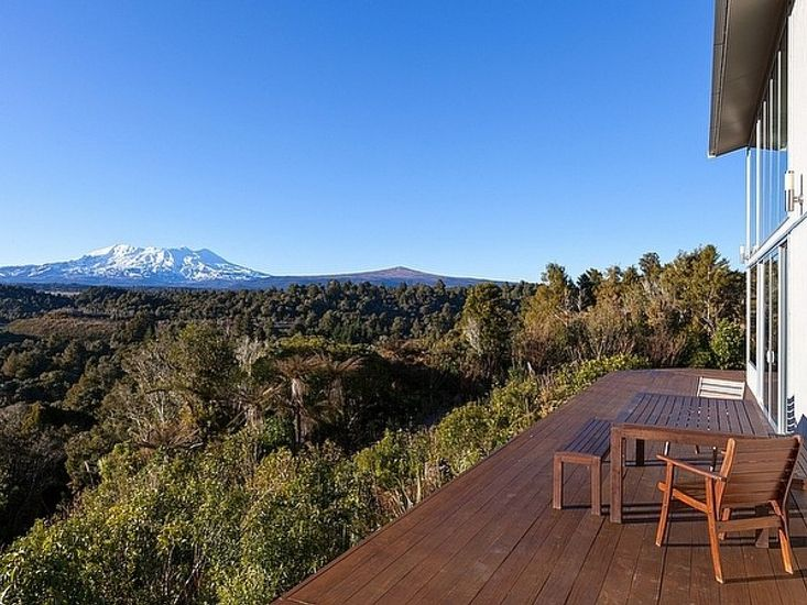 Triple Peaks Lodge - National Park Holiday House - Mountain Views