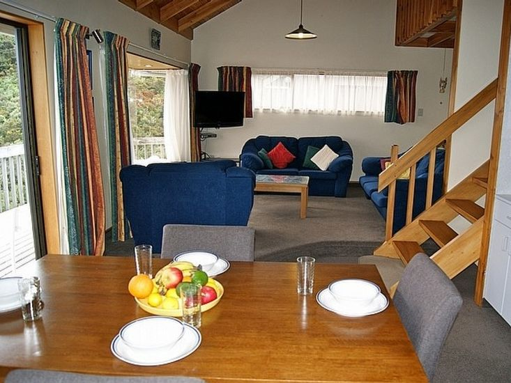 Bush Henge - Tata Beach. Lounge to Dining