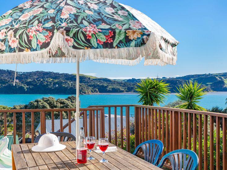 Relax at Raglan - Raglan Holiday Home