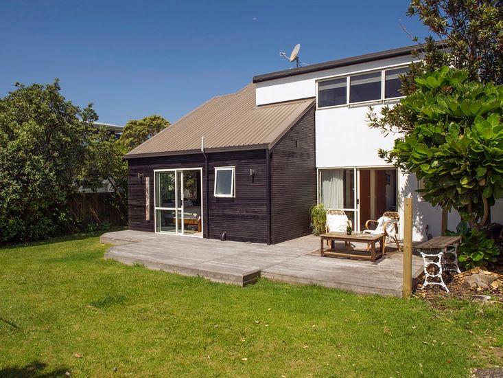 Backyard - Outdoor Living - Exterior