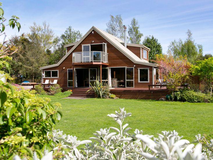 Riverstone House - Turangi Holiday Home