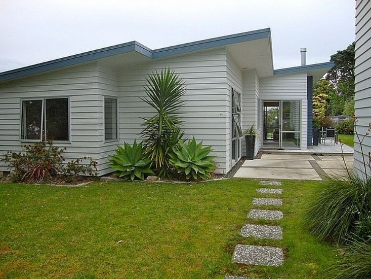 Relax at Cooks - Cooks Beach Holiday Home