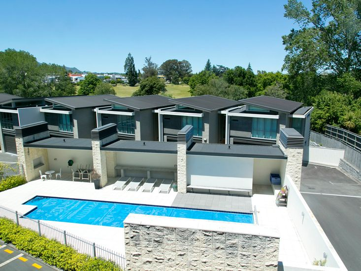 The Boathouse - Taupo Holiday Apartment - Lounge View