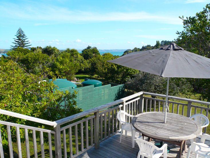 Ridge Cottage - Oneroa Holiday Home