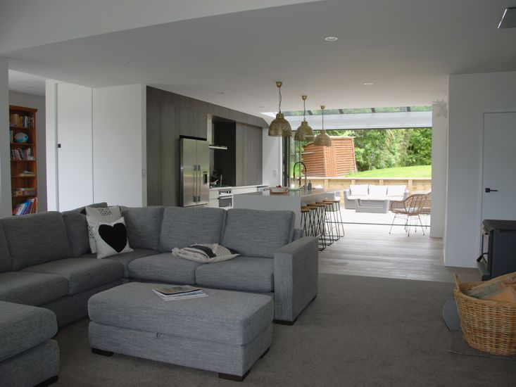 Lounge Room to Rear Outdoor Living
