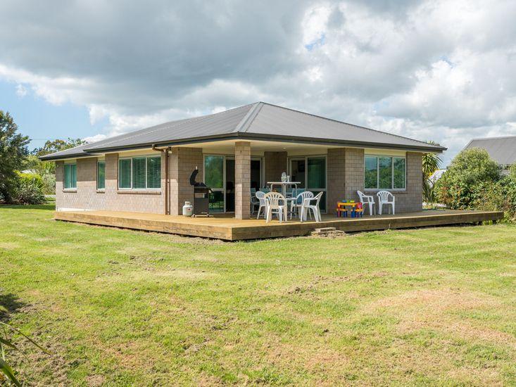 Millie's Place - Mangawhai Holiday Home