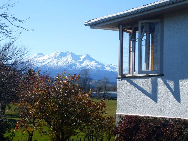 The Field House - Ohakune Holiday Home - Mountain Views