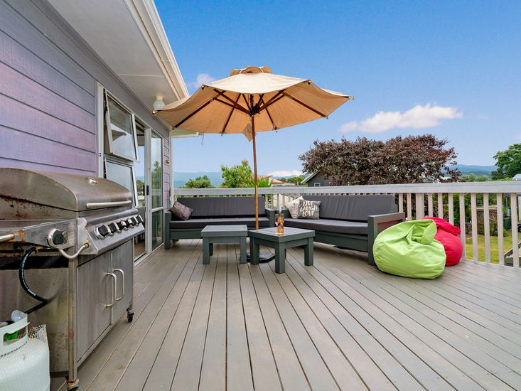 Outdoor Living with BBQ