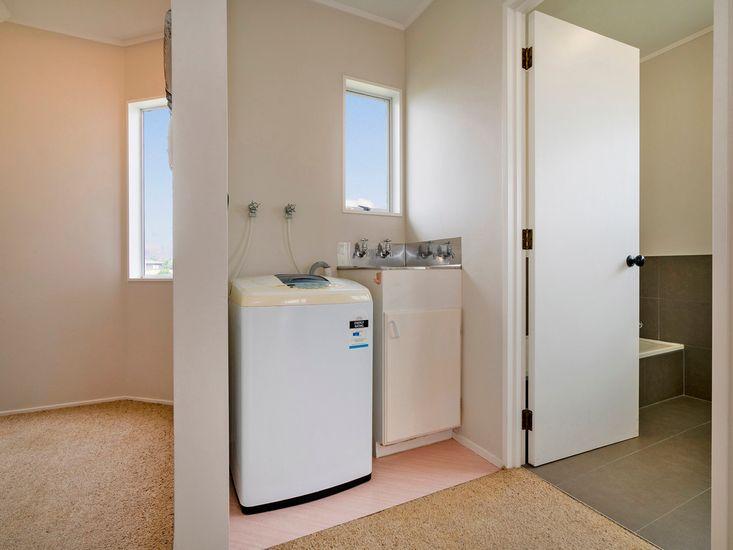 Bathroom 1 to Laundry