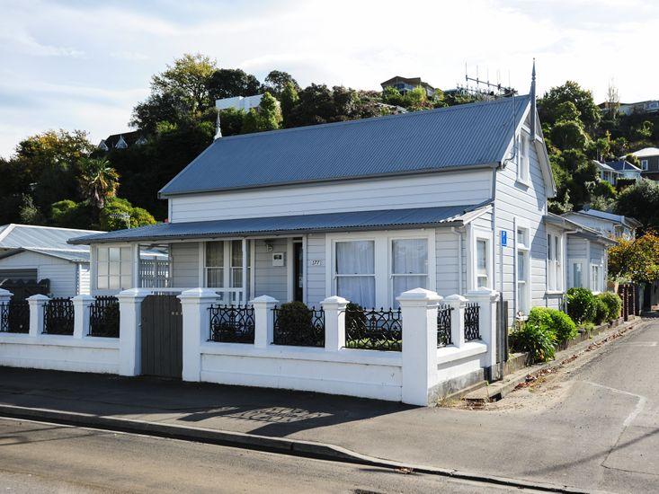 Puriri Downtown Villa - Napier Holiday Home