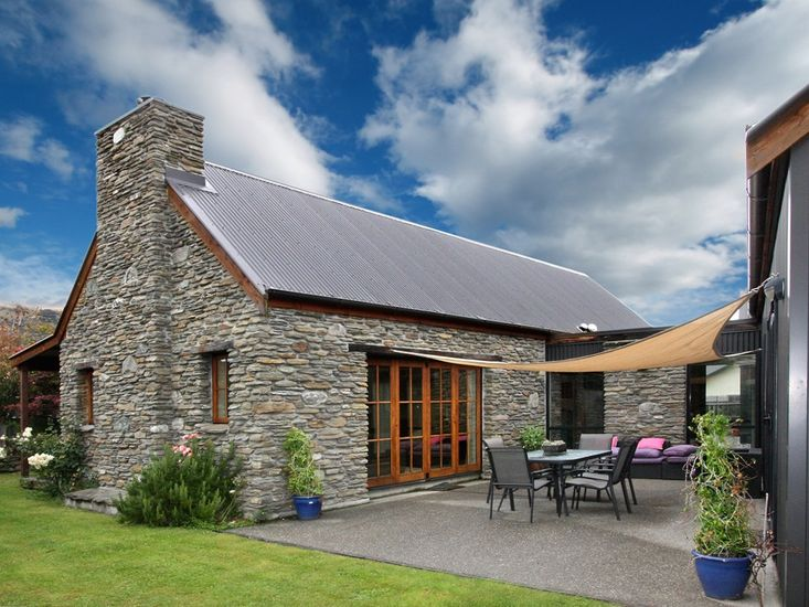 Maytime Cottage - Arrowtown Holiday Home - Exterior and Outdoor Living