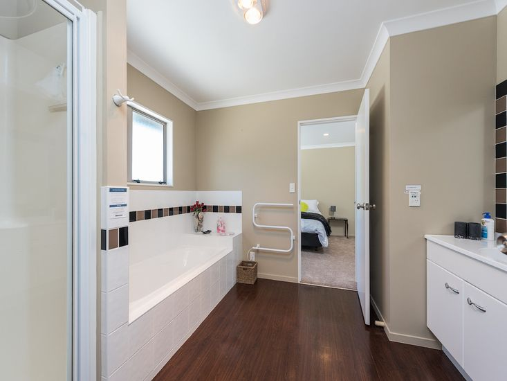 Semi-Ensuite and Bedroom 1 - Upstairs
