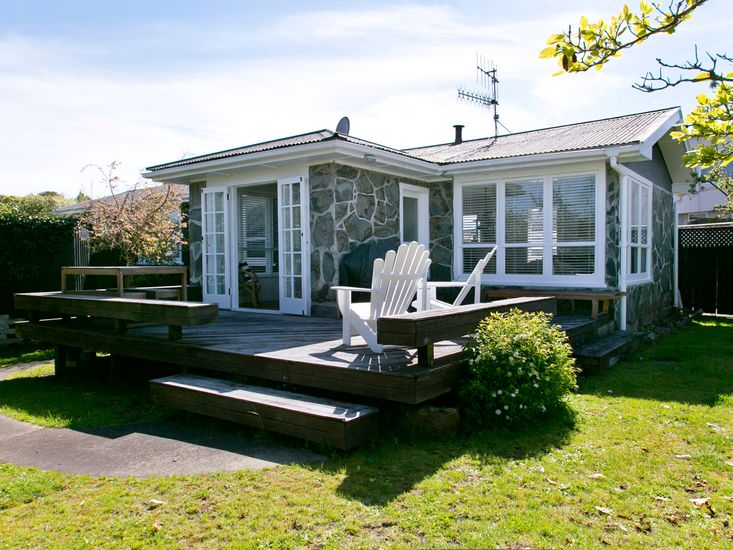 Nest Cottage - Rainbow Point Holiday Home