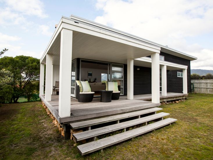 Waikanae Retreat - Waikanae Holiday Home