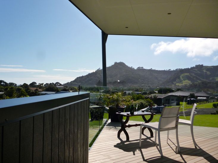 Outdoor Living - Upstairs Deck