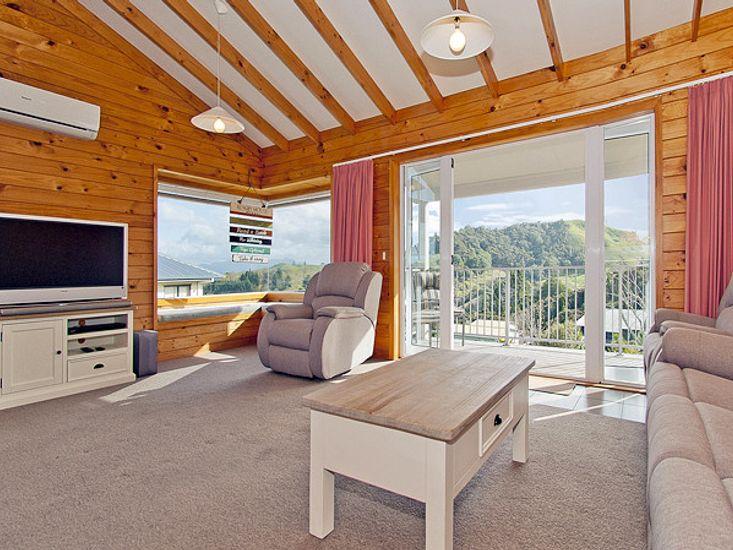 Living - Upstairs