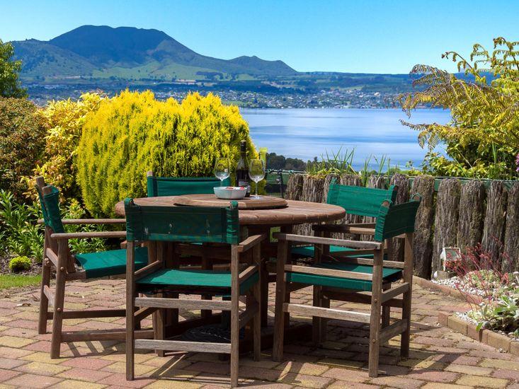 Laketop Retreat - Acacia Bay Holiday Home