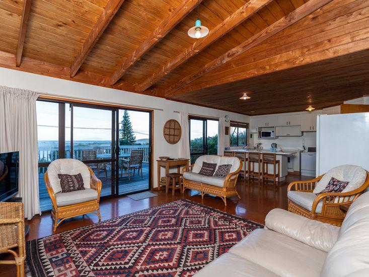 Lounge & Kitchen Upstairs