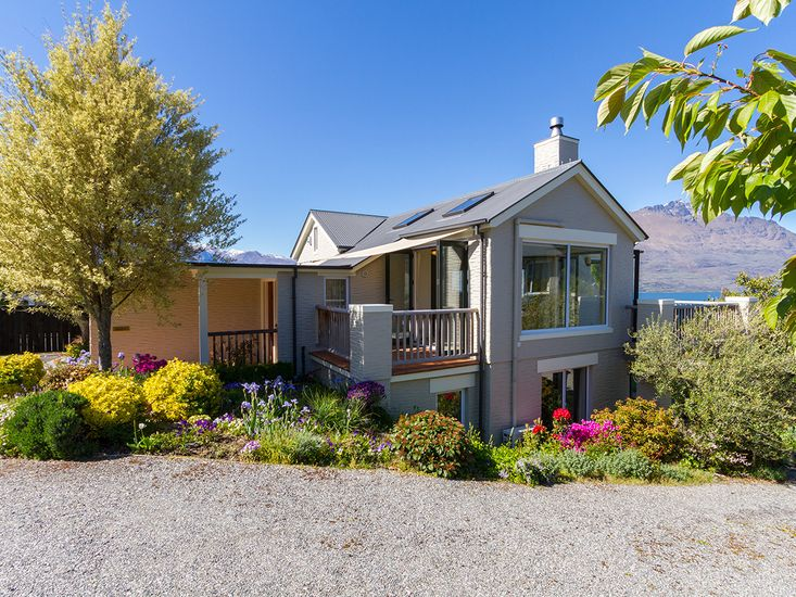 Queenstown Views - Queenstown Holiday Home