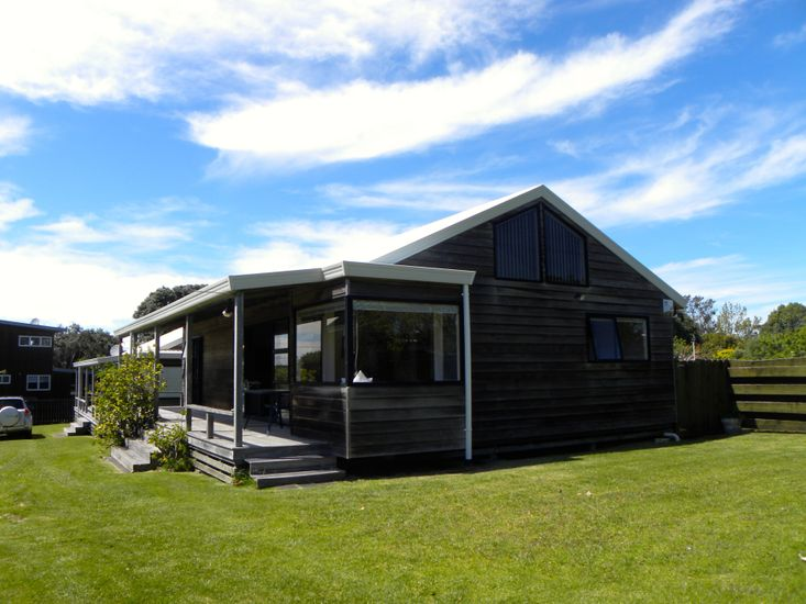Serene at Simpsons - Wharekaho Holiday Home