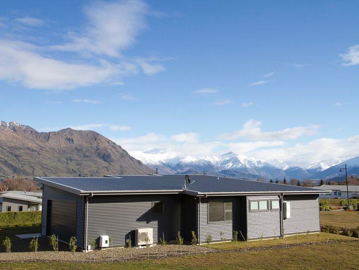 Wanaka Views - Wanaka Holiday Homes