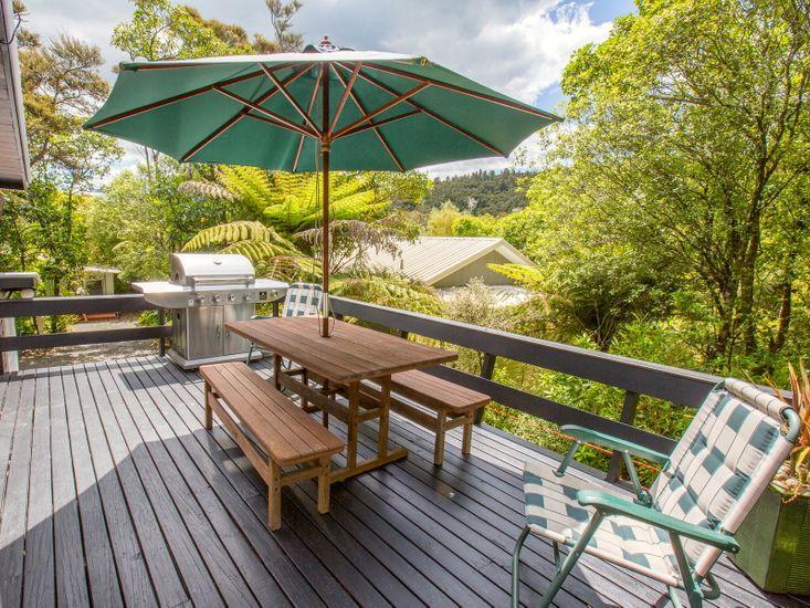 Treehouse Cottage - Kuratau Bach
