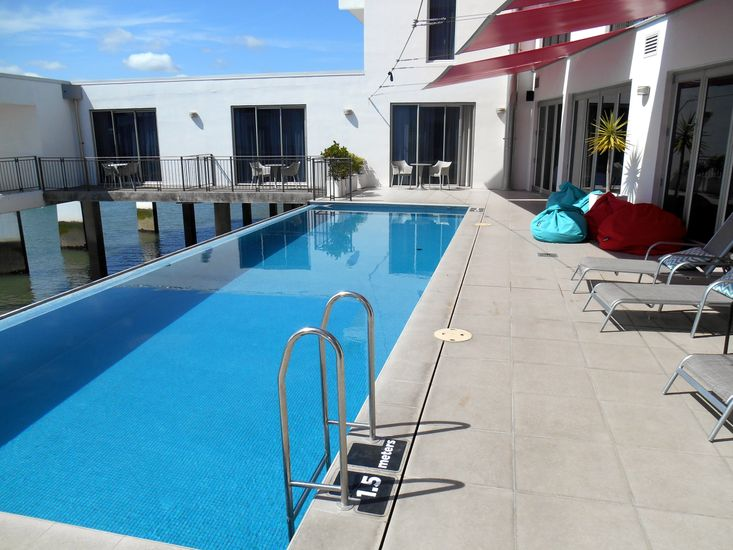 Absolute Waterfront - Tauranga Holiday Apartment