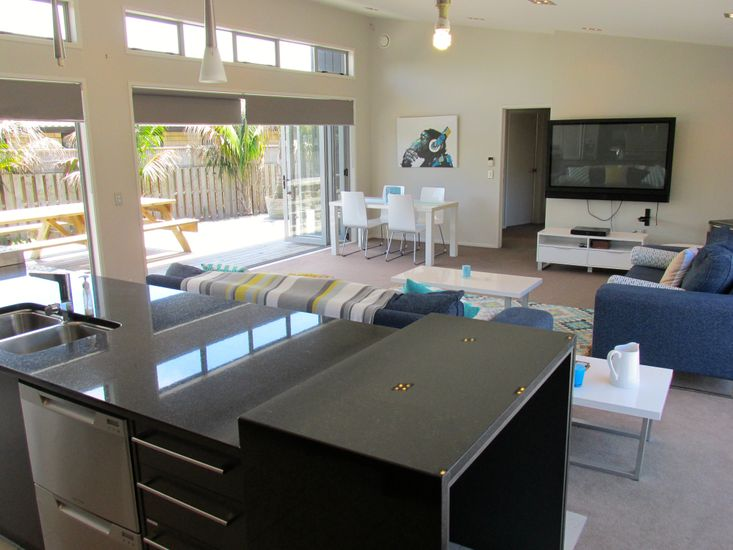 Kitchen to Lounge and Dining