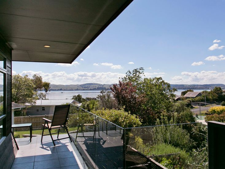 Taupo Escape - Rainbow Point Holiday Home