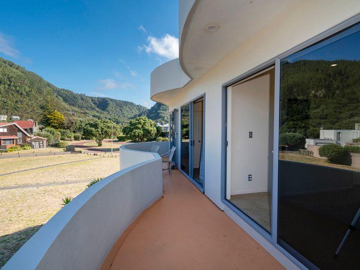 Balcony to bedrooms
