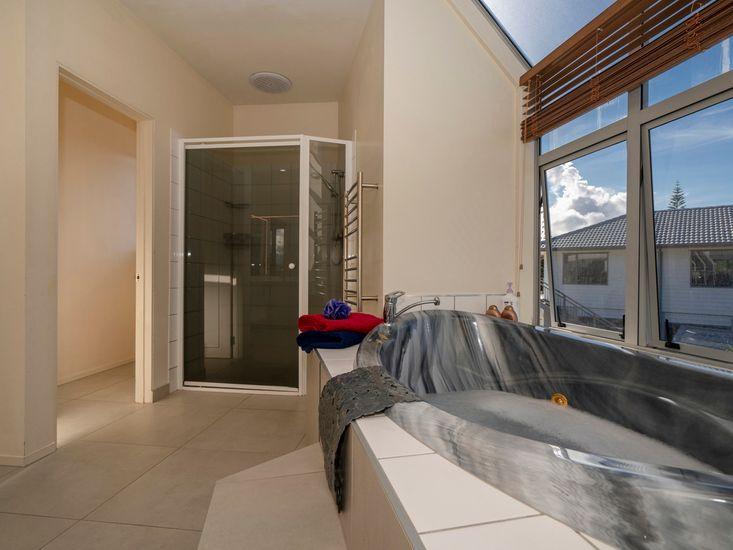 Bathroom 1 with Spa Bath