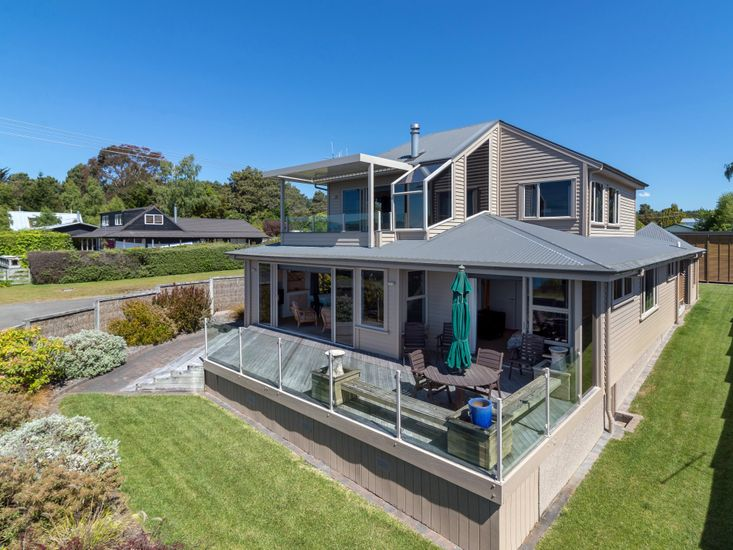 Taupo Accommodation With Private Spa - Tauranga Taupo Holiday Home