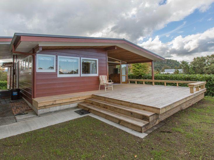 Sixties Cedar Bach - Kuratau Holiday Home