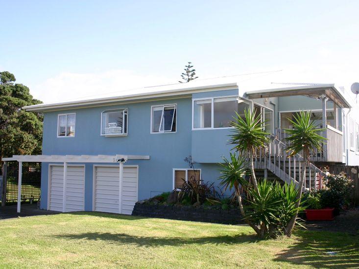 The Blue Marlin - Waihi Beach Holiday Home