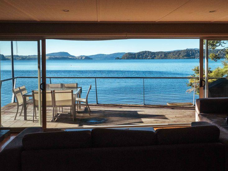Bay Lodge Lakefront Views