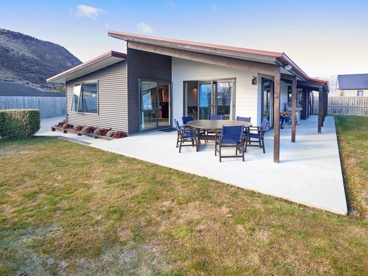 Juno Escape - Wanaka Holiday Home