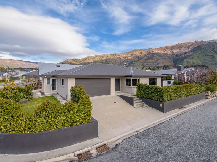 Meadowstone Retreat - Wanaka Holiday Home