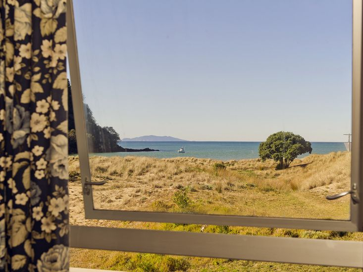 Kotare Beachfront - Whangamata Holiday Unit