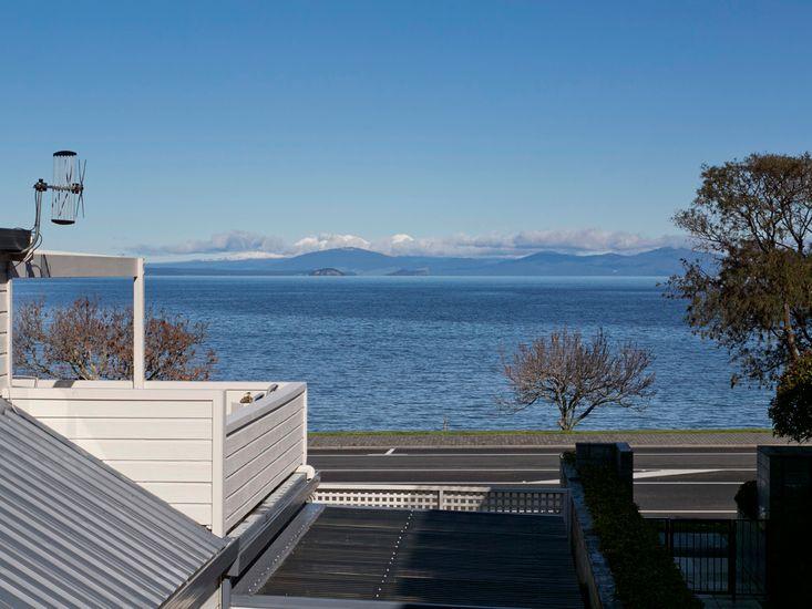 Lake Terrace Taupo Accommodation