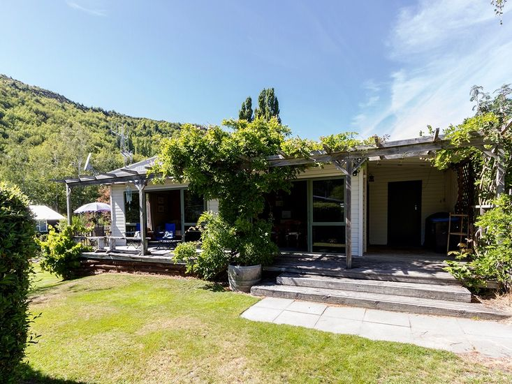Fantail Cottage - Arrowtown Holiday Home