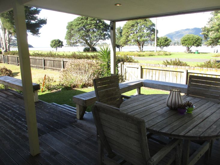 Outdoor Living - View to the beach