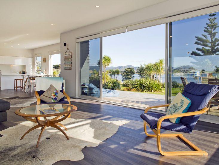 Absolute Waterfront - Matarangi Holiday Home