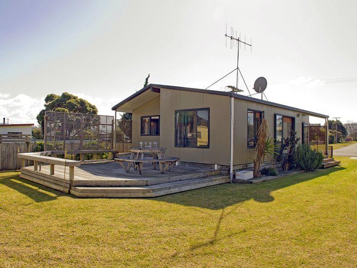 Korolevu  Beach House - Whangamata Holiday Home