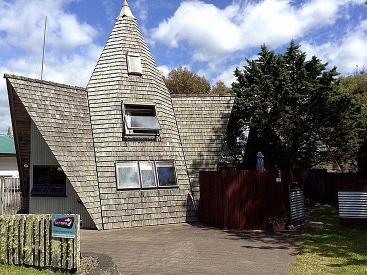 Hobbit House - Pauanui Bach