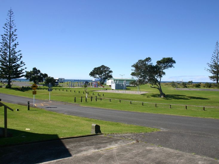 Mollies Place - Waihi Holiday Unit - View to Reserve and Beach