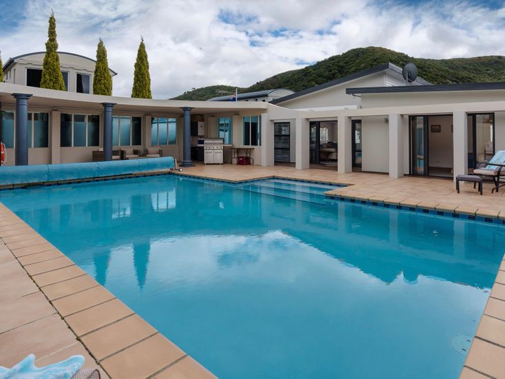 Poolside Retreat - Picton Holiday House