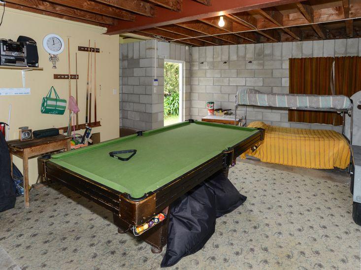 Games Room - Garage